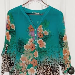 Soft Surroundings Tops - Soft Surroundings V-Neck Tunic Floral & Leopard Sm